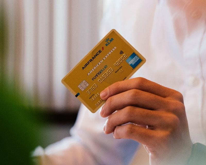 任意整理後はデビットカードを使用